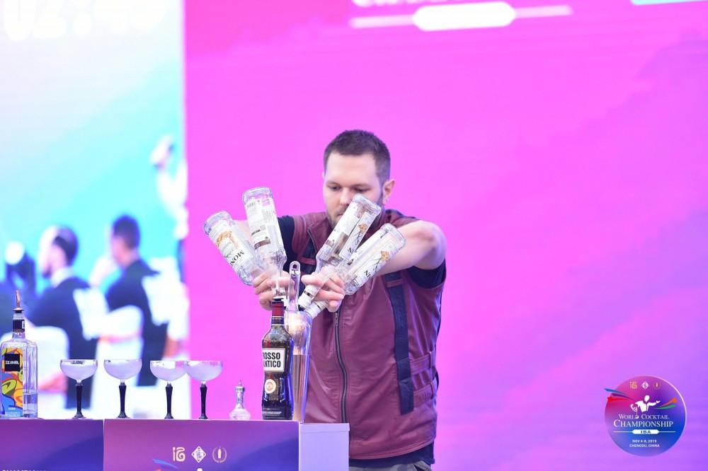 Interjú Hegyi Olivérrel, a kínai Koktél és Flair Világbajnokság 3. helyezettjével
