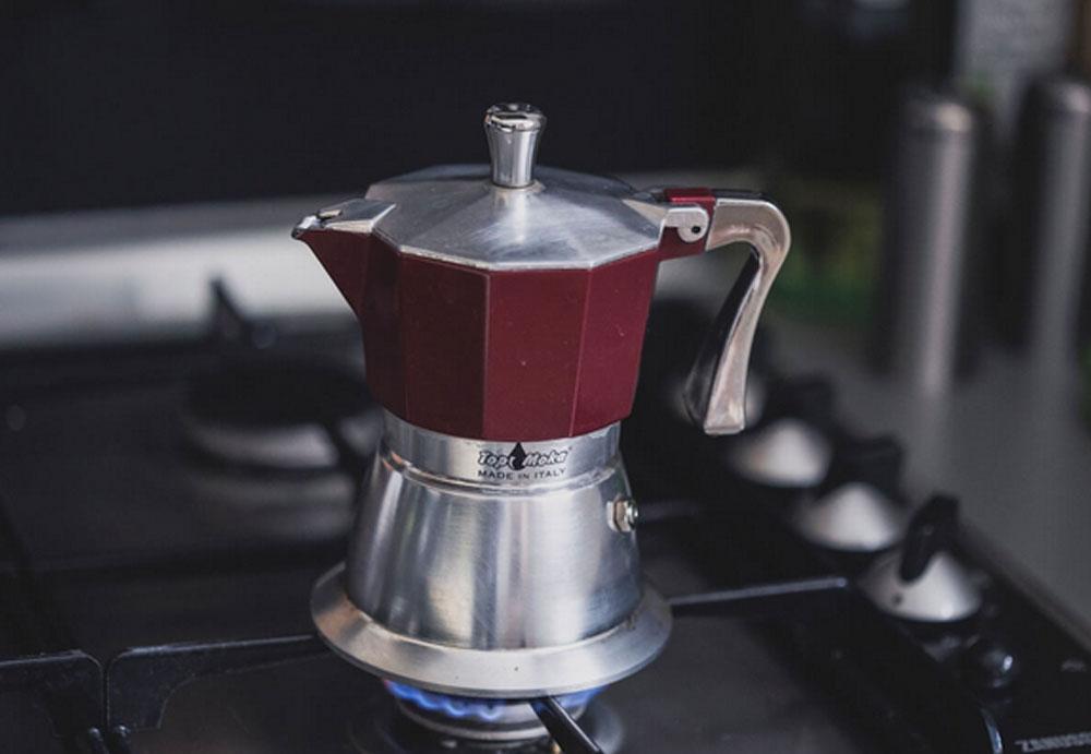 A kotyogós kávéfőző: igazi retró kávé készítése